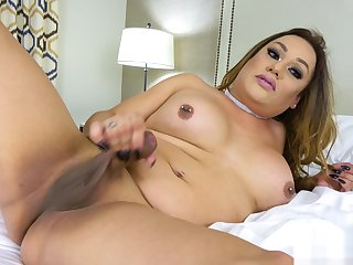 Lola Knight Is A fat ladyboy Who Plays