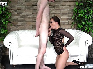 Skinny nerd gets head from a pornstar and then she fucks him silly