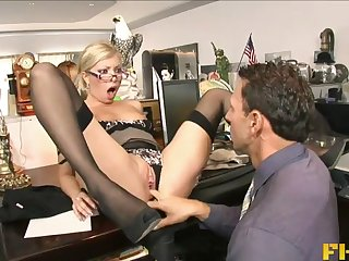Hardcore fucking on the office table with secretary Donna Bell